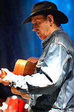 (RON HYNES photo by Greg Locke)